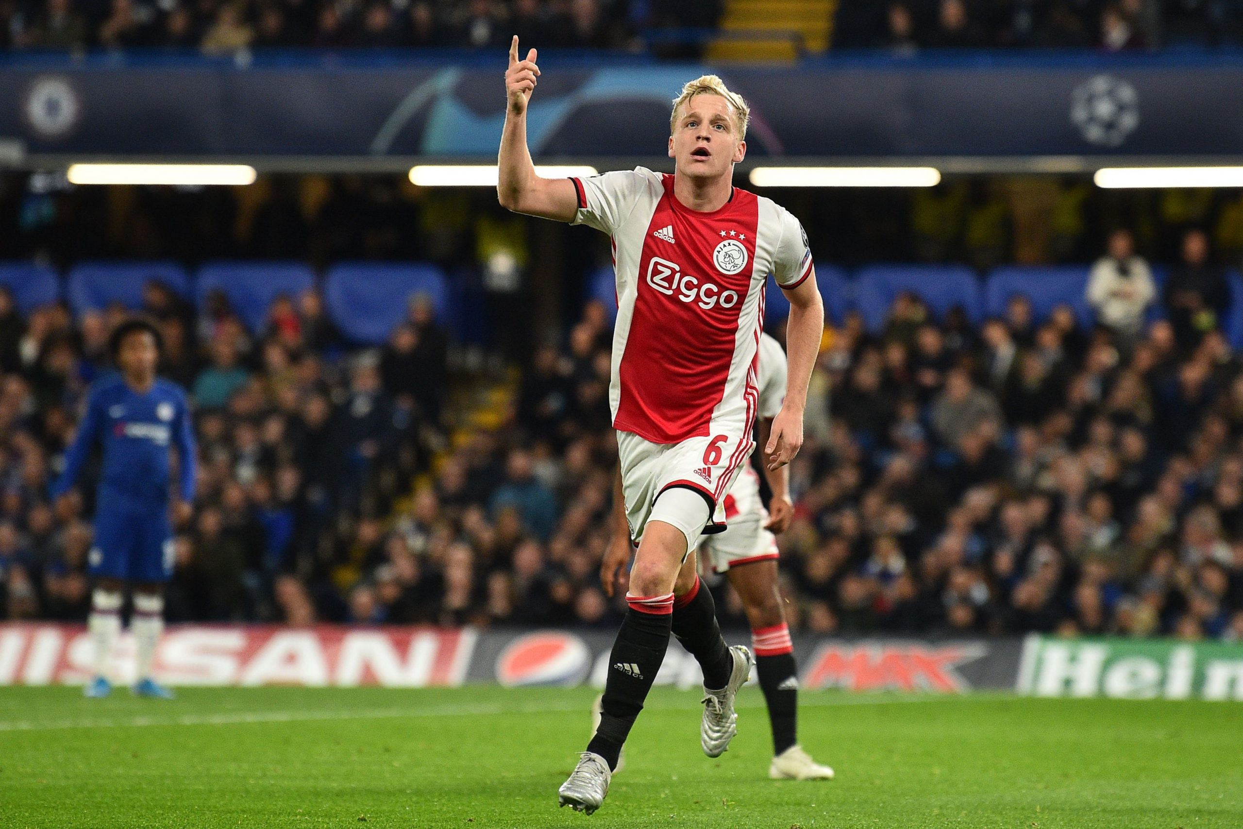 Scout Report: What Donny Van de Beek brings to United – utdreport